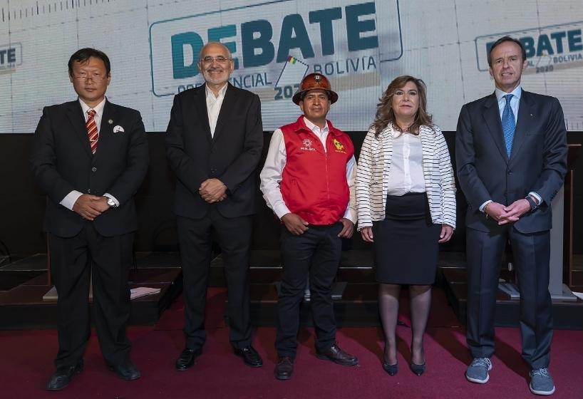 Candidatos que asistieron al debate prometen respetar el resultado de las elecciones