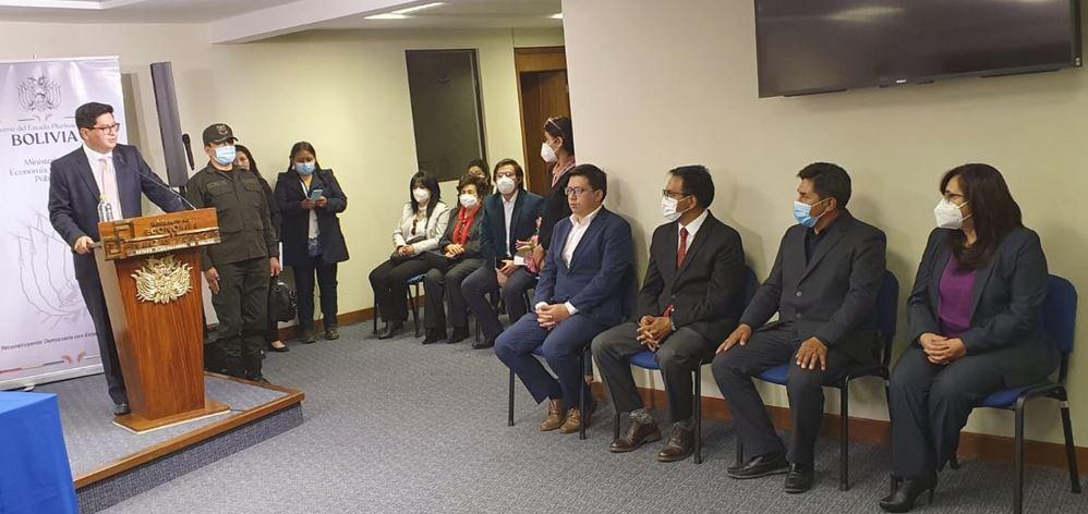 En Economía posesionan a cuatro nuevos viceministros del área