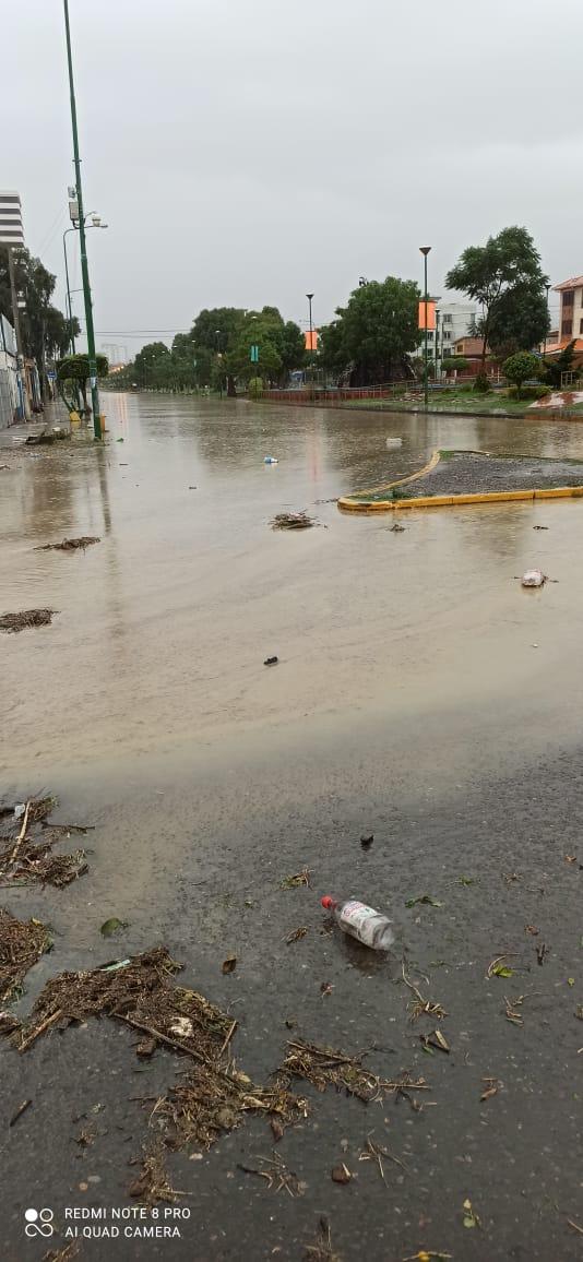 Lluvias torrenciales causan inundaciones en varias regiones del país