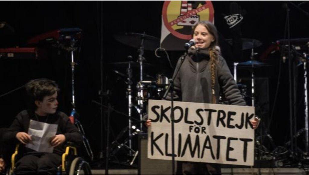 La sueca, referente para millones de jóvenes por su lucha contra el cambio climático, llega a la mayoría de edad