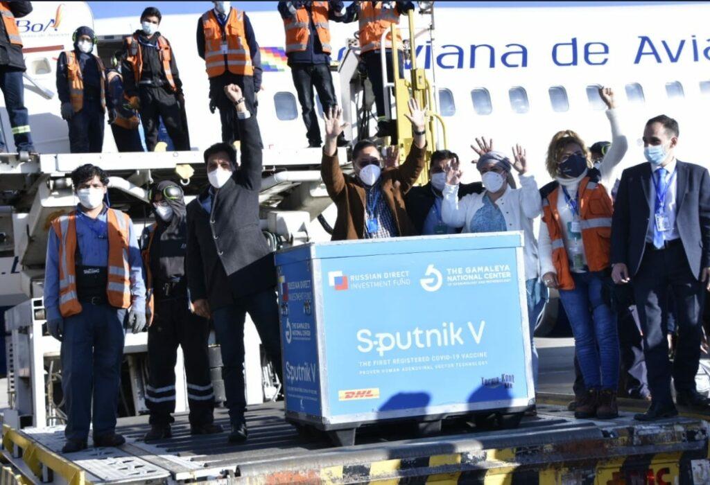 La Sputnik V llega a Bolivia; el periodo de vacunación comienza en Santa Cruz