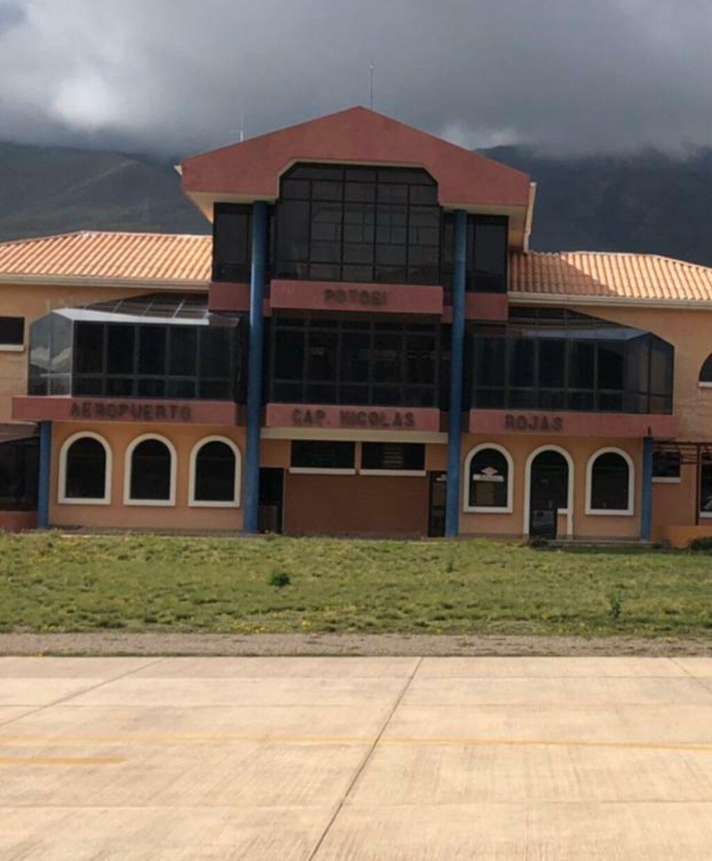 En Potosí, aeropuerto está libre de obstáculos y habilitado para operaciones comerciales