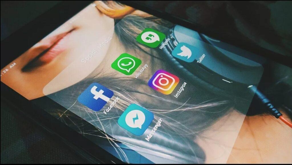 Facebook, Instagram y WhatsApp sufren caídas a nivel mundial