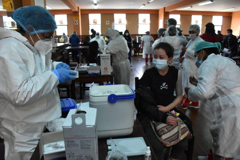 Salud afirma que vacunas aplicadas protegen contra las variantes identificadas del COVID-19