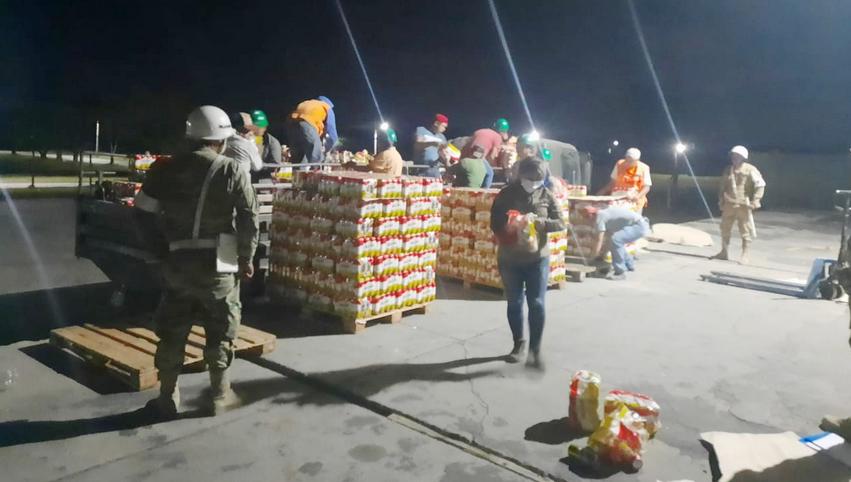 En Puerto Quijarro Aduana y la Armada comisan cerca de 60 toneladas de cervezas en lata de contrabando
