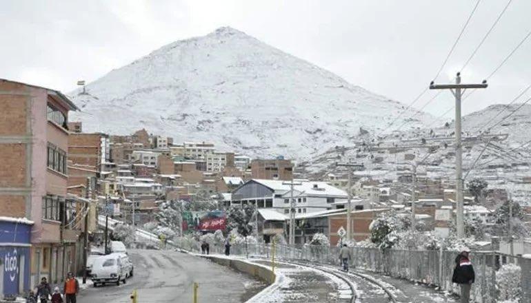 La ABC recomienda precaución a transportistas en La Paz,Potosí y Oruro por las nevadas