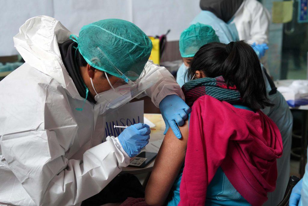 En Bolivia: El 59,4% de población en edad de inmunización recibió la primera dosis de la vacuna contra el COVID-19