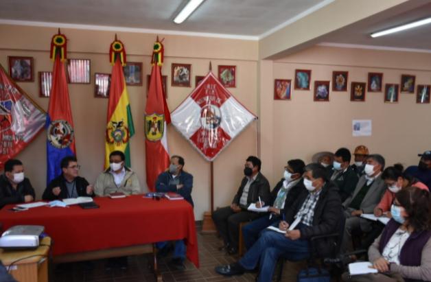 Gobierno presenta propuesta de estudio para preservar el Cerro Rico de Potosí